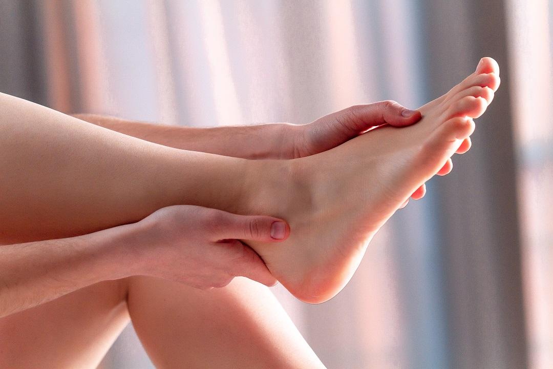 automassagem nos pés