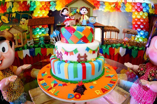 bolo de aniversario festa junina