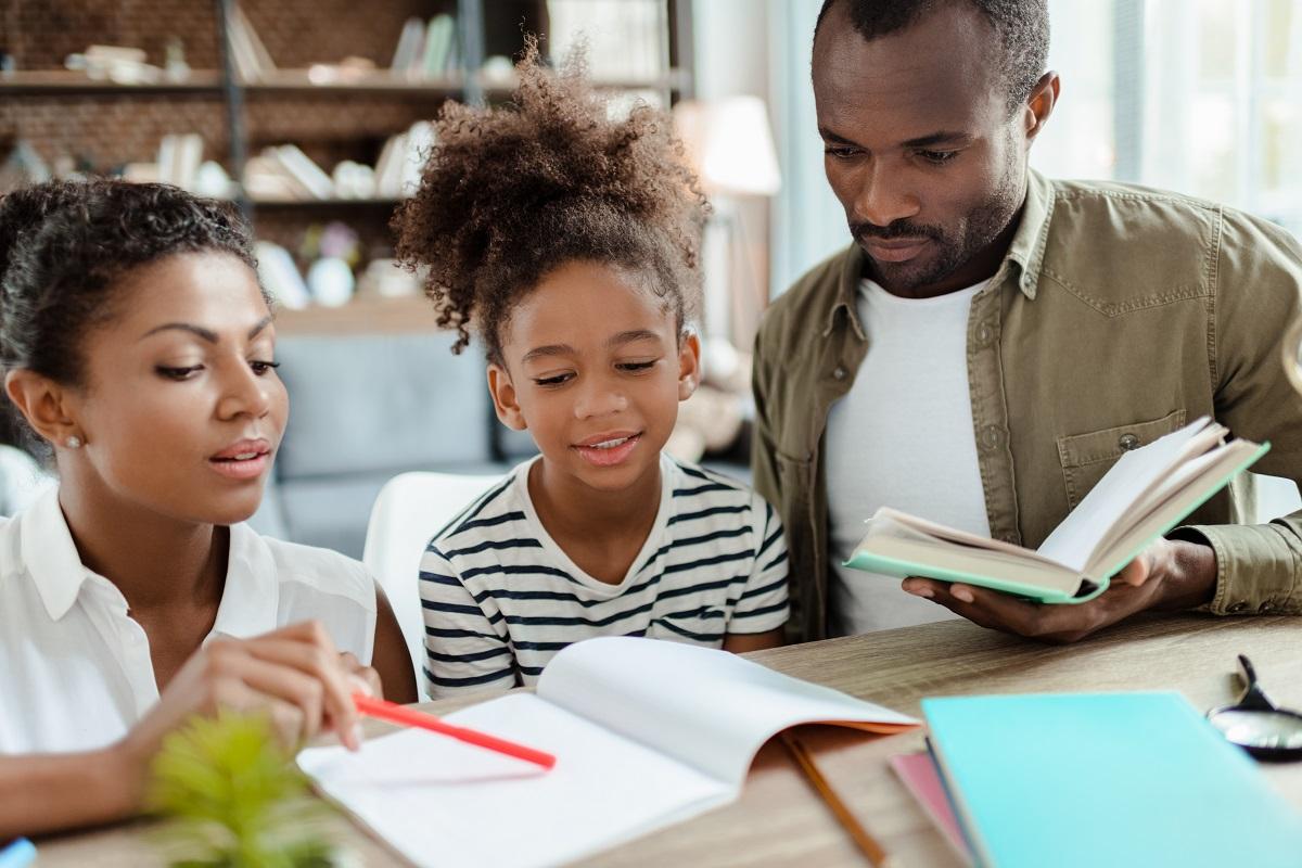 Como Pais Devem Participar Da Vida Escolar Das Crianças - AprendeBrasil - Pais Na Escola