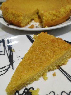 fatia do bolo de laranja