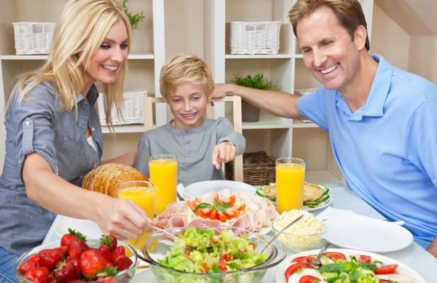 rotina alimentar em familia